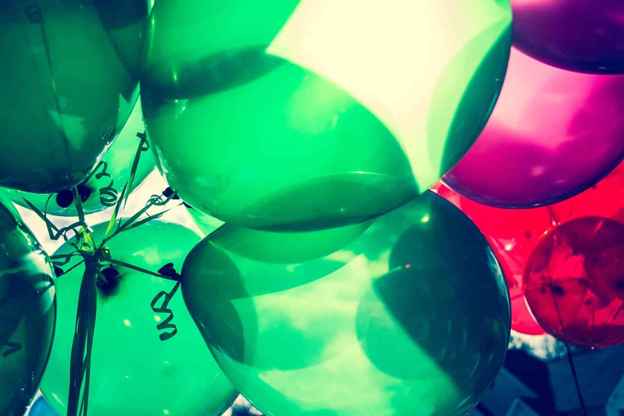 Green and red balloons